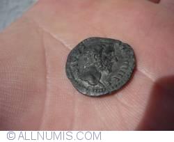 Denar Antoninus Pius