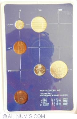 Image #1 of Mint set 1982