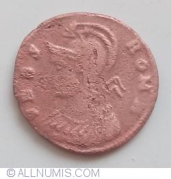 Image #1 of Follis Constantin I - The Capitoline Wolf