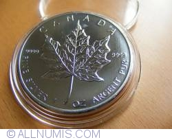 Image #1 of 5 Dollars 2010 - Maple leaf