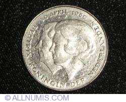 Image #2 of 1 Gulden 1980 - Investure of New Queen