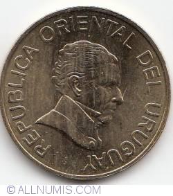 Image #2 of 5 Pesos Uruguayos 2005