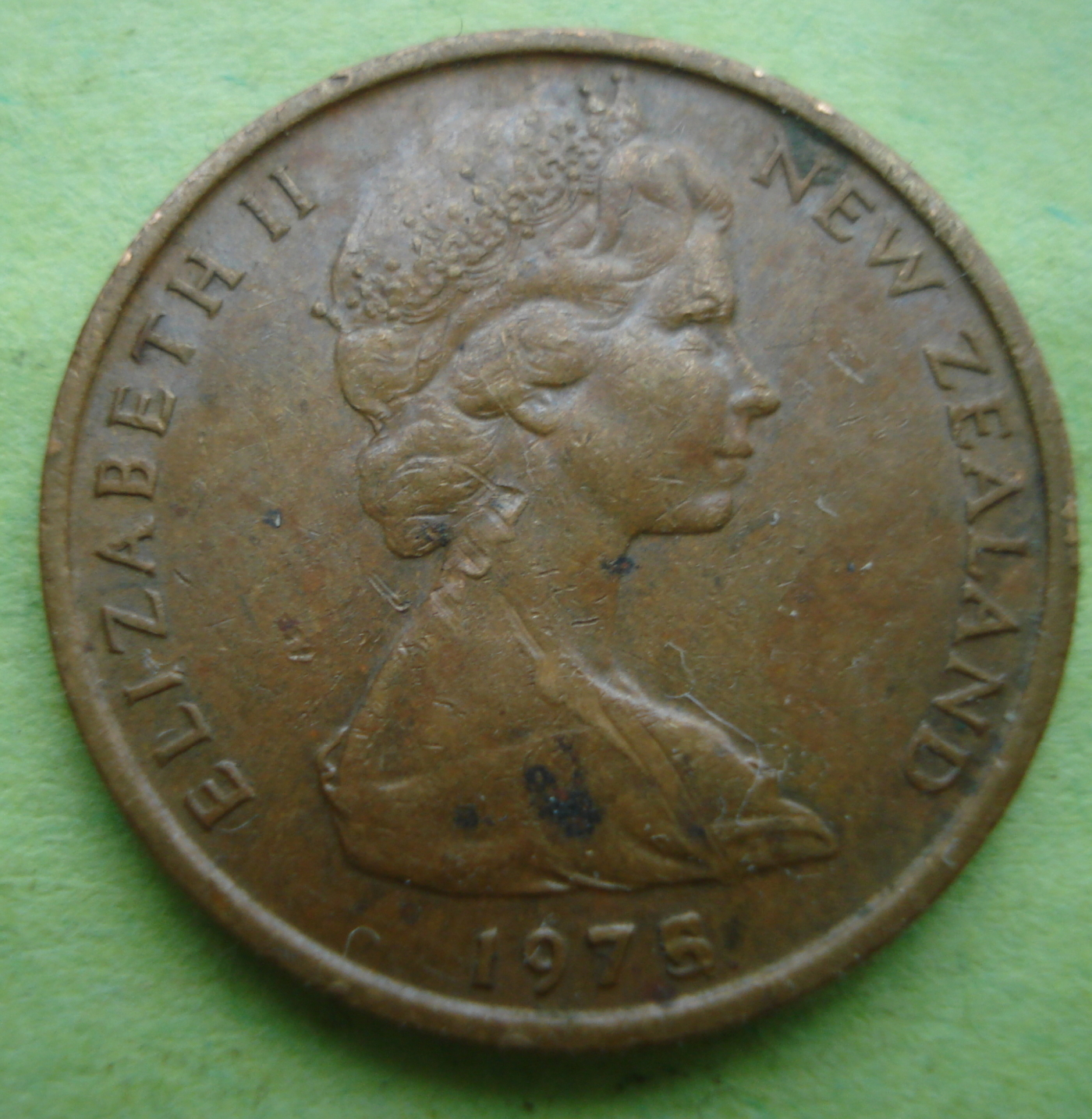 1975 new zealand 50 cent coin