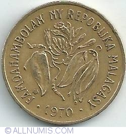 Image #2 of 10 Francs (2 Ariary) 1970