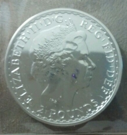 2 Pounds 2013 - Britannia