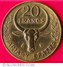 Image #1 of 20 Francs (4 Ariary) 1972